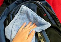 Iskolatáska mosása, tisztítása